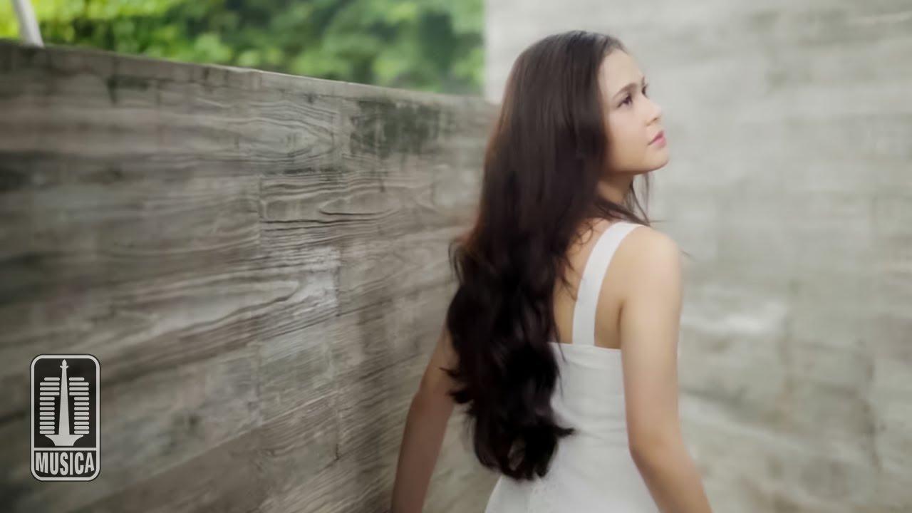 Download Maizura - Aku Takut (Official Music Video) MP3 Gratis