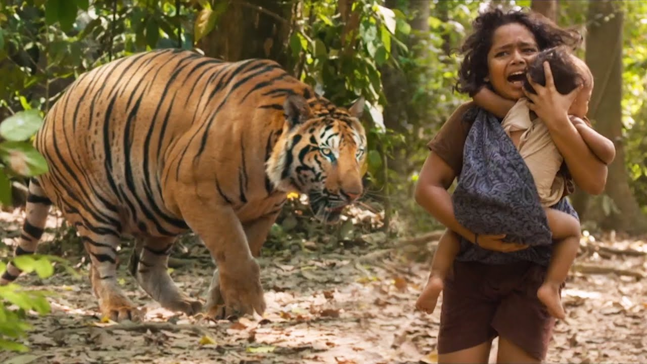 Tollywood Biggest Blockbuster Tiger Fight Scene   Mohanlal   Namitha   Tollywood Talkies