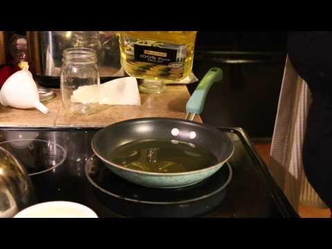 Making Garlic infused Olive Oil