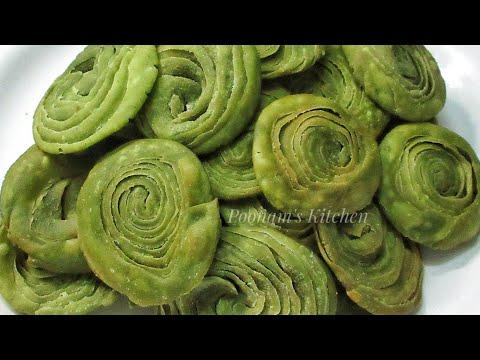 Crispy Palak Verki Puri Recipe - Tea Time Snacks/Farsan Recipe - Easy Three Layer Puri