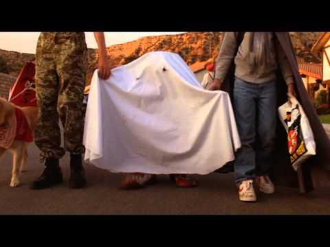 35. E.T. the Extra-Terrestrial - E.T. meets Yoda (Yoda's Theme)