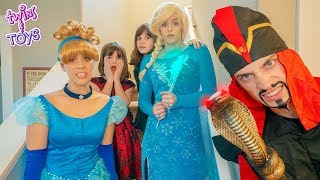 Download Kate & Lilly help Frozen Elsa SAVE Cinderella from Jafar! Video