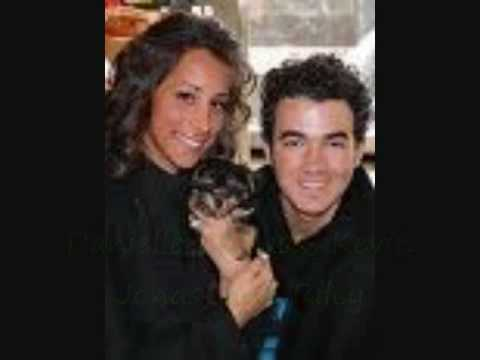 Jonas Brothers Love Story Ch 7 P1