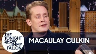 Download Macaulay Culkin Netflix and Chills with Home Alone for Girlfriend Video