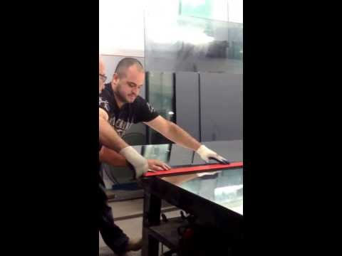 How to cut a large mirror