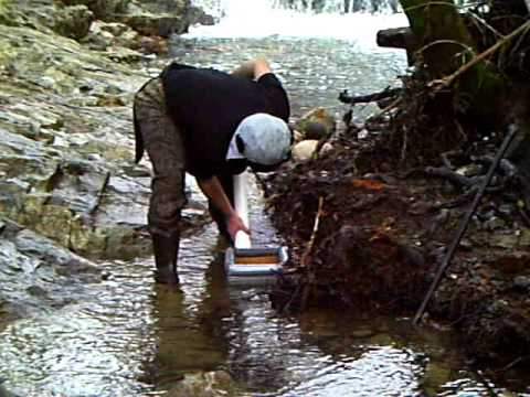 how to find gold using a hand dredge