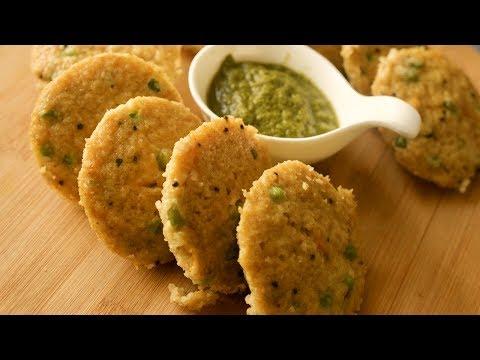 जब नाश्ते में कुछ खाना हो हेल्दी तो बनाये ओट्स से टेस्टी और इंस्टेंट इडली | Oats Instant Idli Recipe
