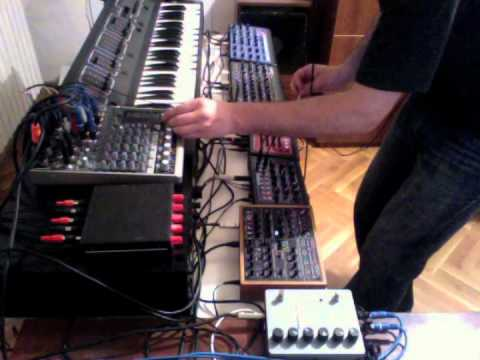 KiNK remixing Nina Kraviz