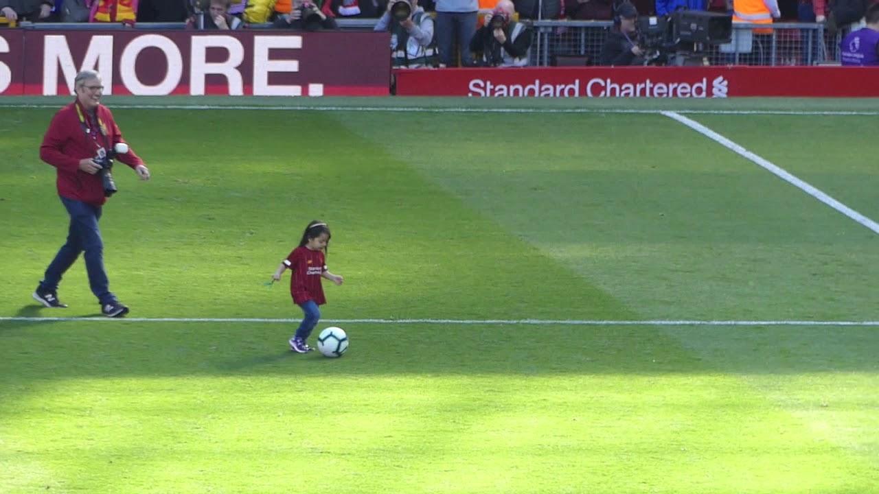 Mohamed Salah's Daughter - Makka 2019