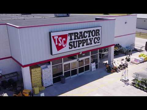 Lonestar at Tractor Supply Co.: Fashion Show at Tractor Supply
