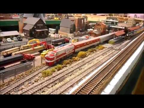 Roark Valley Modular Railroad Club HO-scale layout.