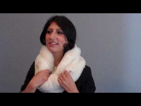 How to wear a scarf: Faux fur