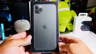 iPhone 11 Pro Max Unboxing! First Impressions On The New Green!