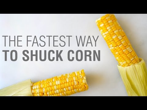Kitchen Hack The Fastest Way To Shuck Corn