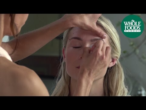 How to Get a Natural Makeup Look Using Mineral Makeup | Natural Beauty | Whole Foods Market