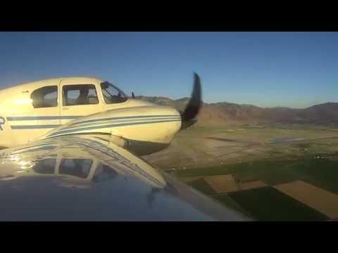 Piper Apache PA-23 flight