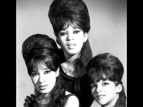 THE RONETTES (HIGH QUALITY) - WALKING IN THE RAIN