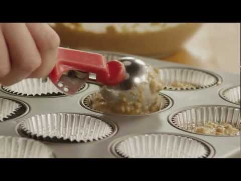 How to Make Low-Fat Blueberry Bran Muffins