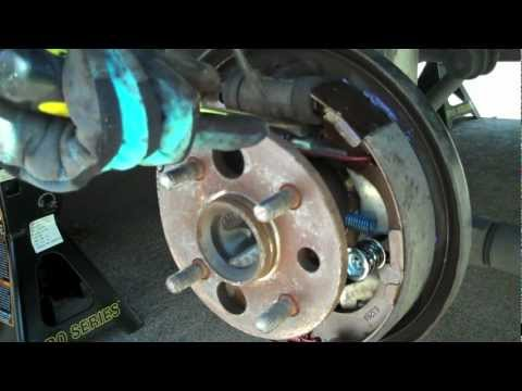 Replacing Rear Brake Drums and Pads on a 2000 Toyota Corolla