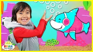 Baby Shark   Kids Song and Nursery Rhymes Sing and Dance   Animal Songs with Ryan ToysReview