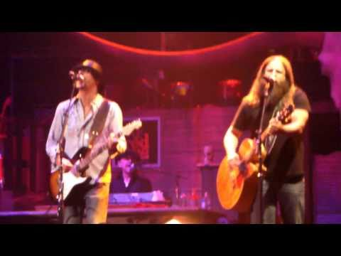 Kid Rock & Jamey Johnson - Only God Knows Why