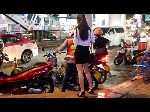 Silom at Night - Bangkok VLOG 49