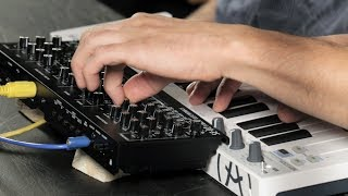 SKINNERBOX reviews the ROLAND SE-02