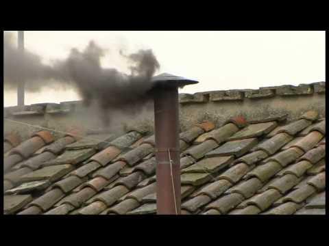 No Pope yet: black smoke at the Sistine Chapel