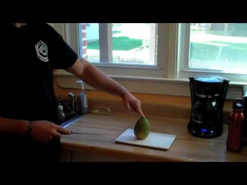 BJJ Workouts- The Best Way to Cut & Eat a Mango!