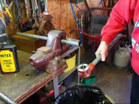 MACHINE SHOP TIPS #7 Cutting Pipe Threads  tubalcain