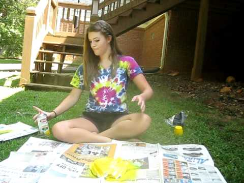 Cool Tie-Dye Effect with Spraypaint!