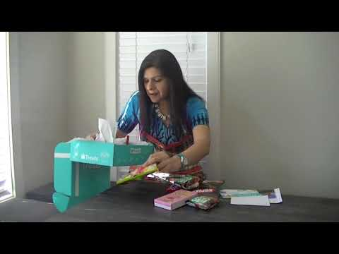 Valentines Day Gift Idea - Unboxing a Treat Box   Try Treats Gift Box