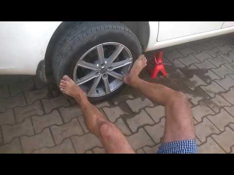 How to remove a stuck alloy wheel