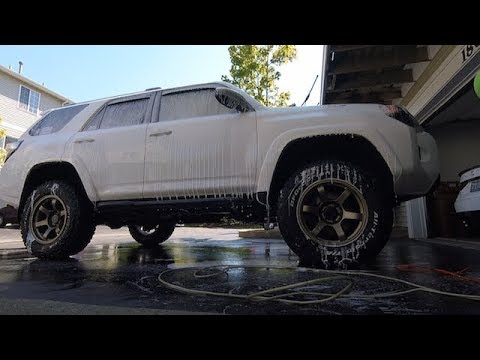 Washing the  2014 4runner trail and cleaning the wheels