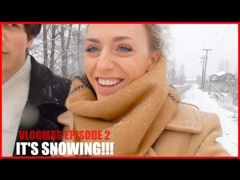 There's SNOW! Christmas Concert & Family Jokes | Vlogmas 2