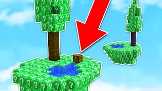 OVERPOWERED vs OVERPOWERED! - Emerald Lucky Block Sky Warriors (Minecraft Mods)