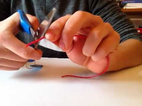How To Strip A Wire With Scissors