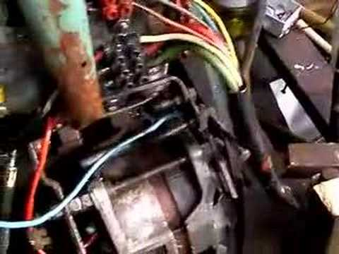 Pärlan - Day6: cleaning the engine and the bilge