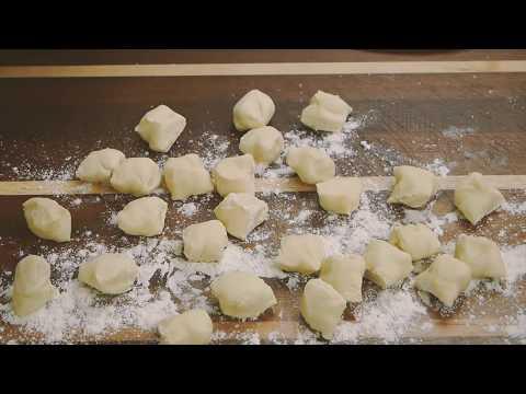 How to make tasty dumpling dough-homemade Chinese dumpling 富有弹性的饺子皮-自制水饺