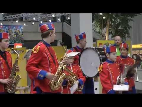 LEGOLAND Guard visiting LEGOWORLD