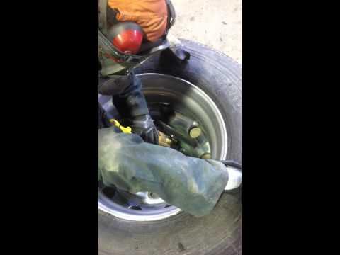How to polish the Inner part of an aluminum rim - Aluminum polishing Transport truck