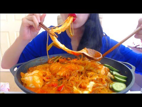 ASMR EATING SPICY+CHEESY MOCHI RICE CAKES |  STICKY SWEET POTATO NOODLES | NO TALKING