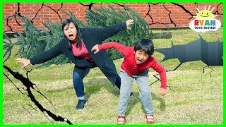 Download What Is An Earthquake??? | Educational for kids with Ryan ToysReview Video