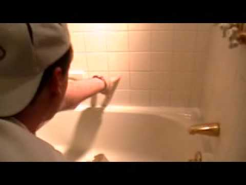 1000+ Stain Remover (Winning Colours) and Cleaning Solution: cleaning a bath tub.