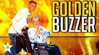 SINGER Corinne Gets GOLDEN BUZZER on France