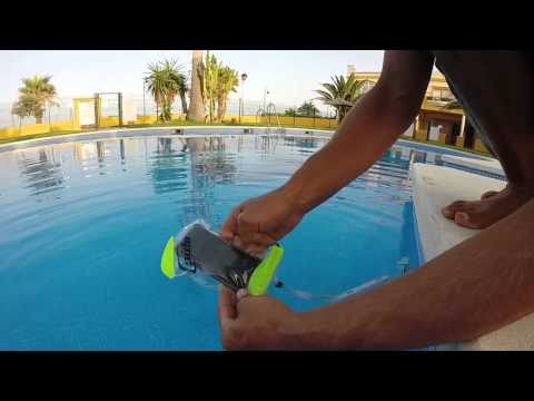 How to use your smart phone underwater
