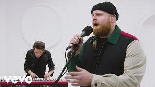"Tom Walker - ""Fade Away"" Live Performance | Vevo"