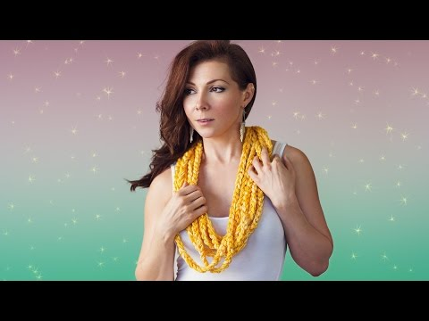 How To Finger Crochet a Scarf - For Beginners