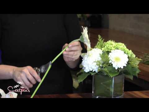Sweetpea's Tips & Tricks :: How to make your arrangement last!