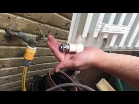 Powerflush before : Blocked Radiator